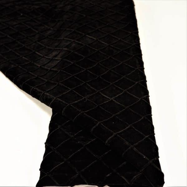57.03603.010 Velours Stitched Rhombus zwart